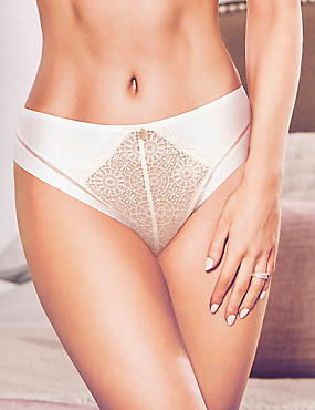 Lace Thong , IVORY, catlanding