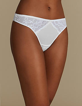 Floral Lace Thong, WHITE, catlanding