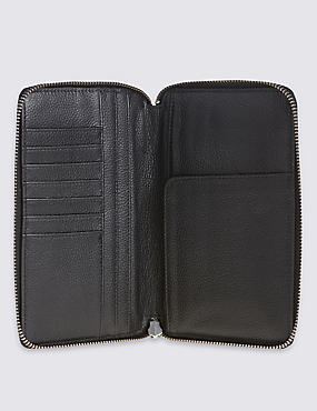 Leather Travel Wallet with Cardsafe™