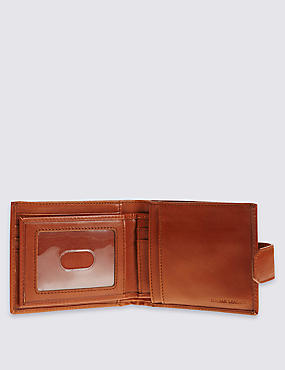 Leather Wallet with Cardsafe™