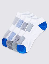 4 Pairs of Freshfeet™ Trainer Liner Socks
