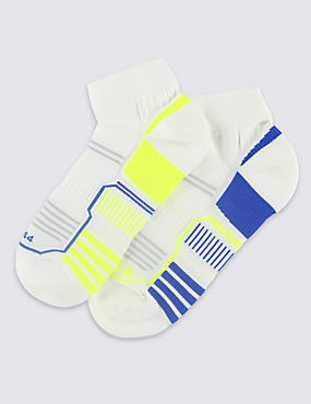 2 Pairs of Freshfeet™ Technical Quarter Sports Socks with Silver Technology