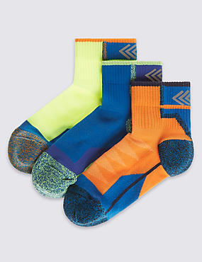 3 Pairs of Freshfeet™ Assorted Sports Socks (5-14 Years)