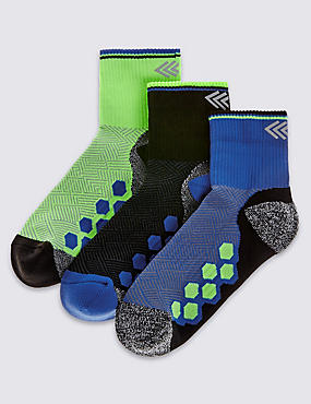 3 Pairs of Freshfeet™ Sports Socks (3-16 Years)