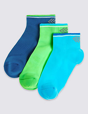 3 Pairs of Freshfeet™ Ankle Socks (3-16 Years)