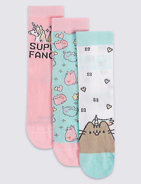 3 Pairs of Freshfeet™ Cotton Rich Pusheen Socks (7-11 Years)