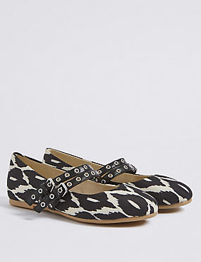 Kids' Geometric Print Cross Bar Shoes