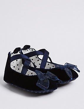 Baby Velvet Bow Pram Shoes, NAVY, catlanding