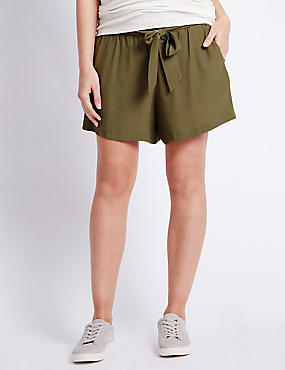 Maternity Belted Shorts