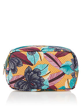 Conversational Design Make-Up Bag, , catlanding