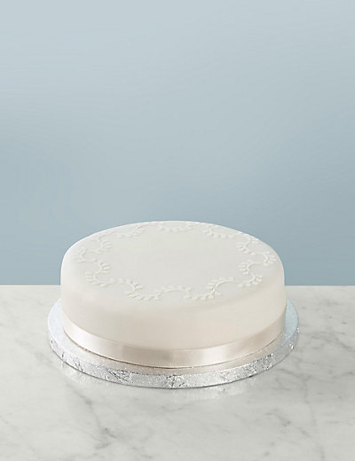 How To Properly Store Wedding Cake Top