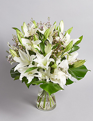 Fairtrade® Lily Bouquet Flowers