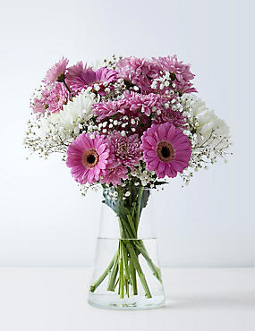 Mother's Day Pretty Mum Bouquet (Pre-order for free delivery from 6th March)