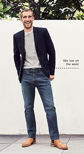 Man wearing tapered fit jeans