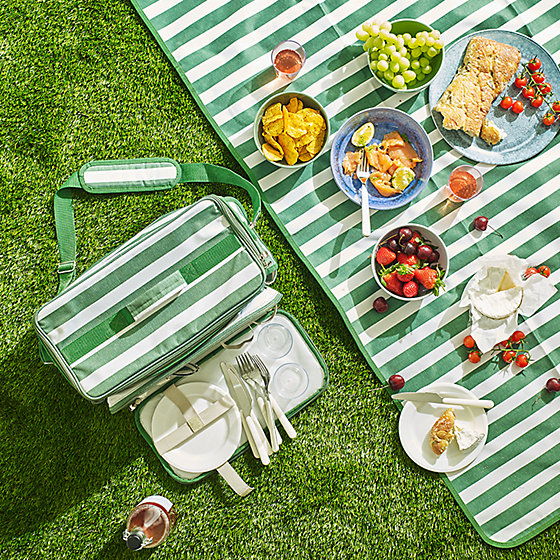 The easy-to-carry picnic rug