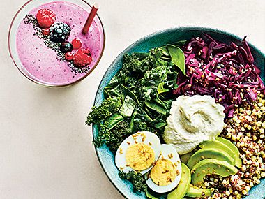 Grain bowl salad and smoothie