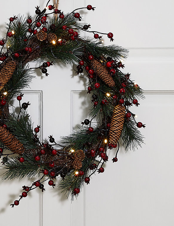 18 Inch Lit Red Berries Pinecone Wreath M S