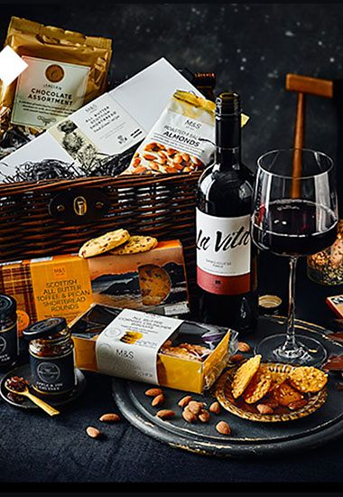 Beaulieu hamper with wine