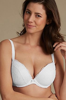 The everywear padded plunge bra