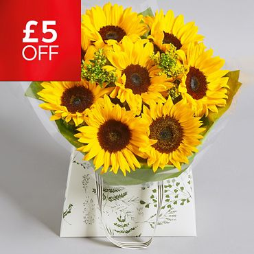 c2a9df7a46bdb Save £5 on gorgeous summer blooms