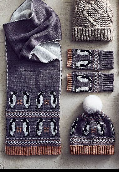 Novelty penguin womens scarf, hat and gloves set