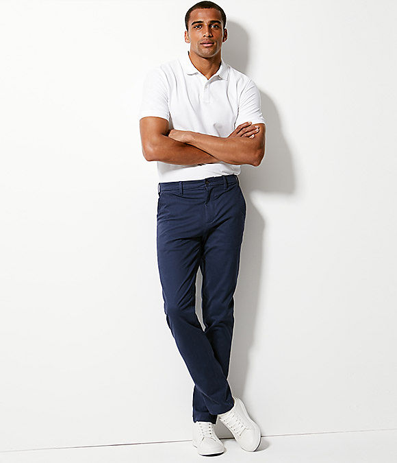 Man wearing slim fit chinos