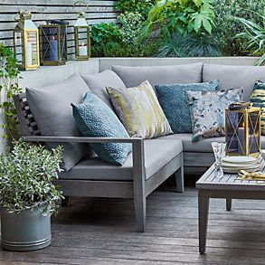 Marlow outdoor sofa and armchairs