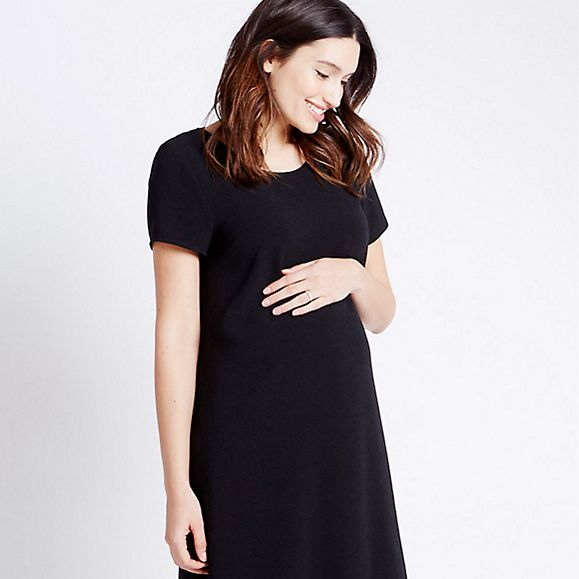 Pregnant model in M S maternity wear 8f31d0a74