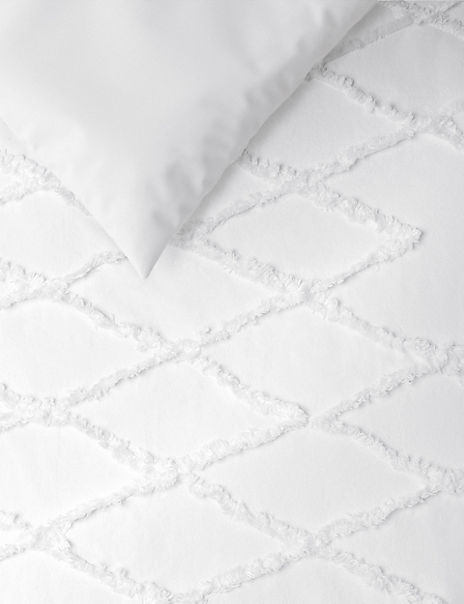 Hand Tufted Geometric Bedding Set