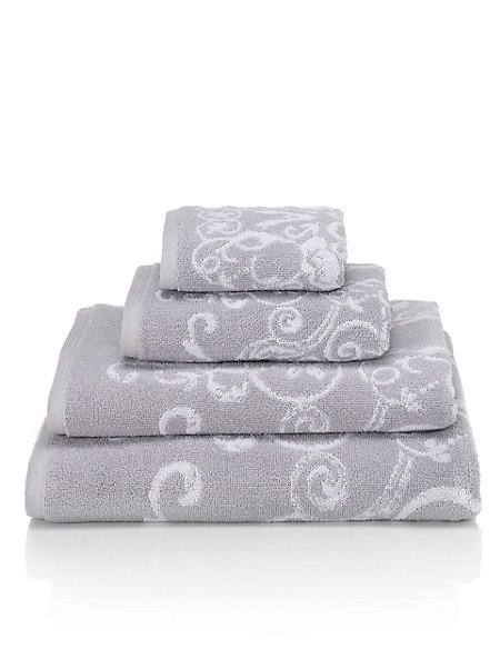 Renaissance Scroll Towel