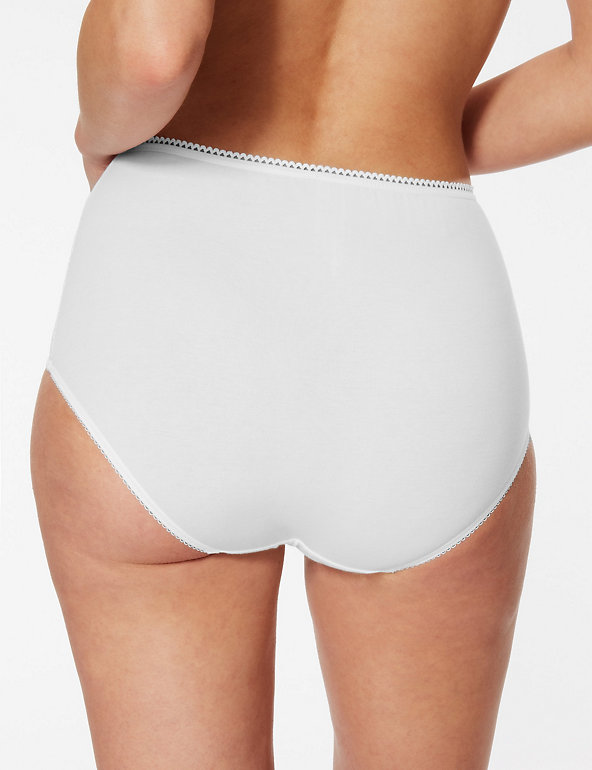 ladies white cotton rich full brief from M/&S,size 26,BNWT