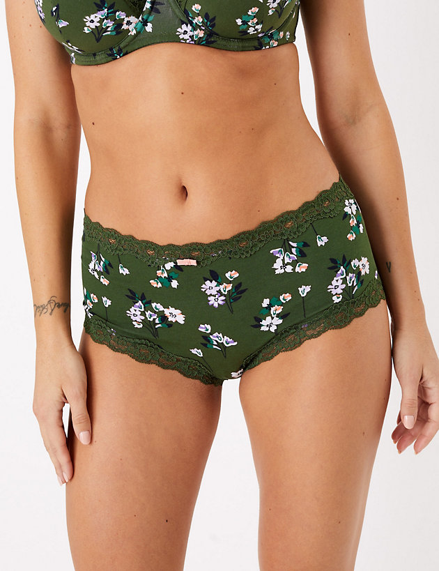 M/&S COLLECTION Women/'s  Floral Embroidery High Rise Shorts NEW!!