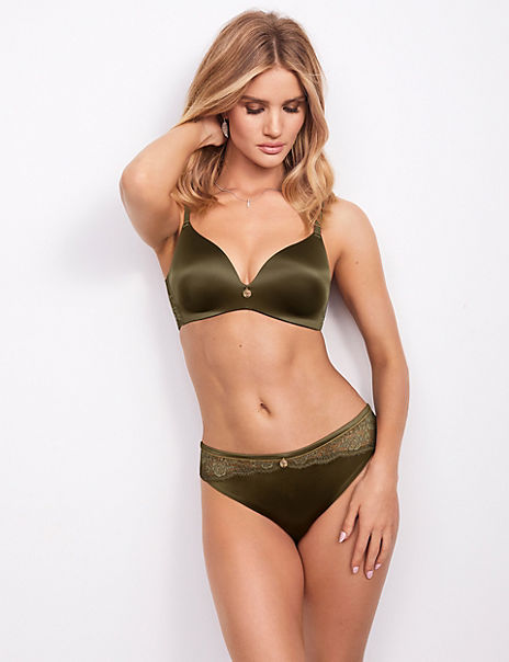 Smoothing Padded Set with Plunge Bra