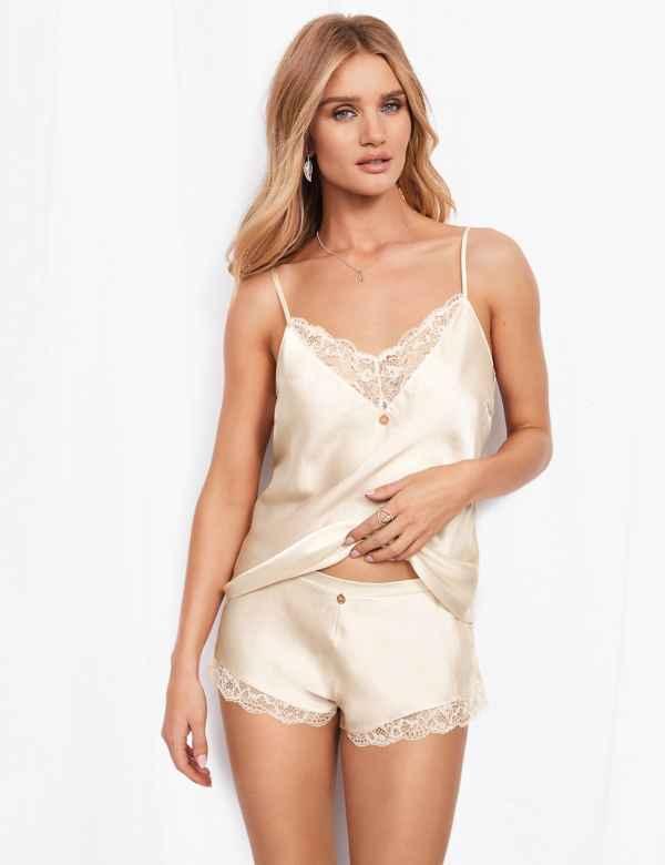 ds17580e294f2d1ea7b7e64bb7364e77cd: Silk & Lace Lurex Camisole Set