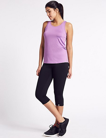 Scoop Neck Vest & Cropped Leggings Outfit