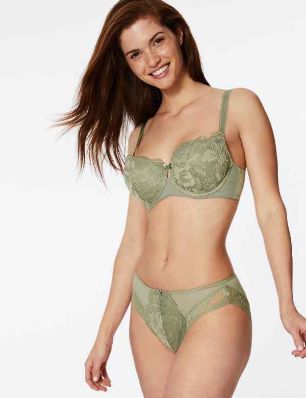 633770111 Nina lace Set with Padded Balcony A-E