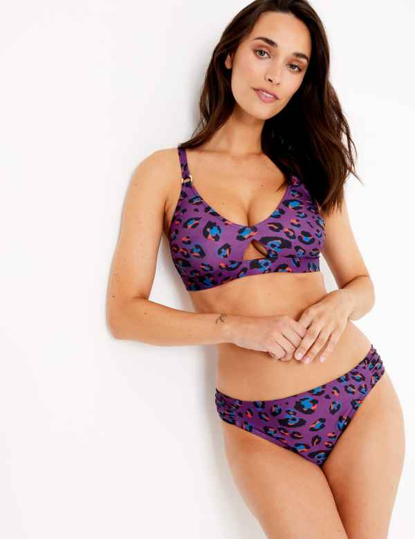 c4e99384dfb Swimwear & Beachwear | Women | M&S IE