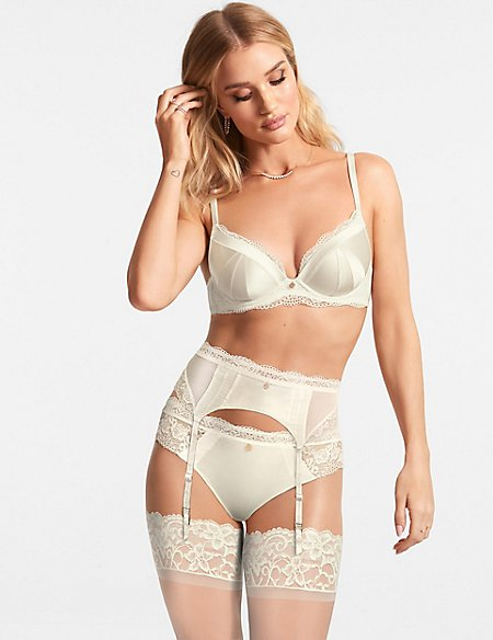 Lace Padded Plunge A-E Set with Silk