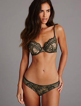 Dentelle Lace Set with Non Padded Balcony