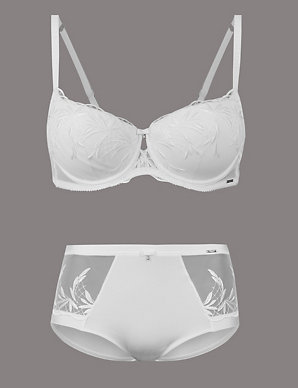 34c0c54d98d Embroidered Set with Padded Balcony A-E
