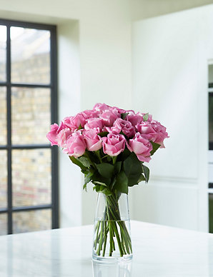 f4fb3cddc Fairtrade reg  Pink Rose Bouquet