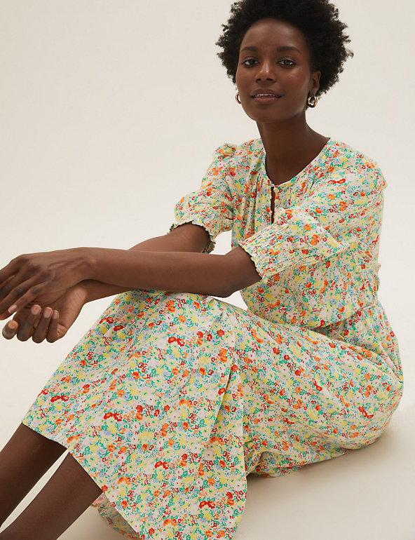 Floral Round Neck Midaxi Waisted Dress Image 1 of 6