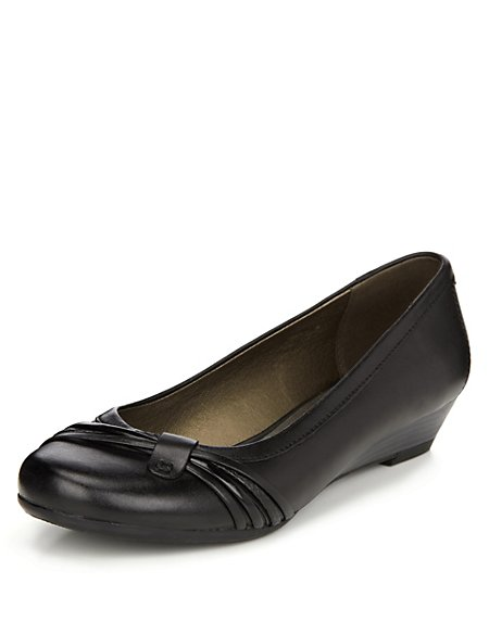 Pleated Wedge Pumps