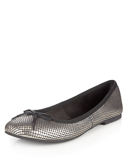 Leather Faux Snakeskin Bow Pumps with Insolia Flex®