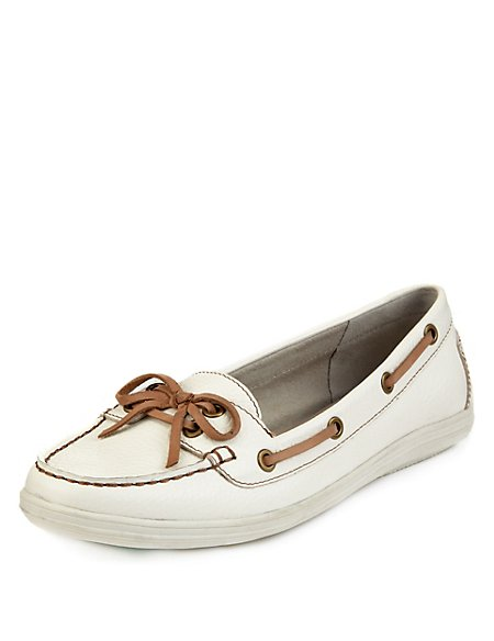 Leather Wide Fit Bow Boat Shoes