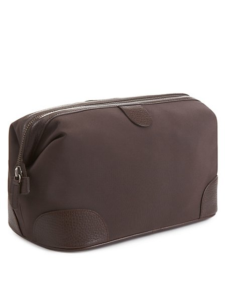 Washbag with Leather Trim