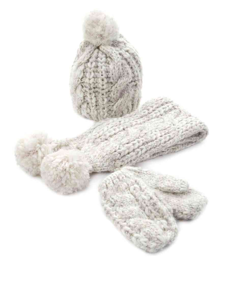 b210e502759 3 Piece Cable Knit Hat