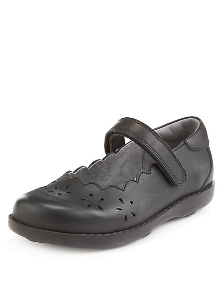 Leather Scallop Trim School Shoes (Younger Girls)