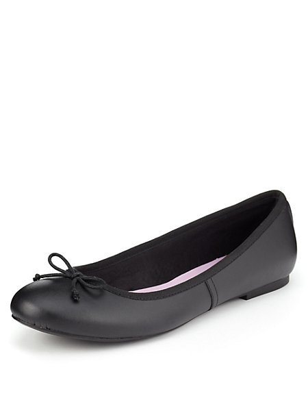 Freshfeet™ Scuff Resistant Leather Bow Ballet Slim School Pumps with Silver Technology (Older Girls)