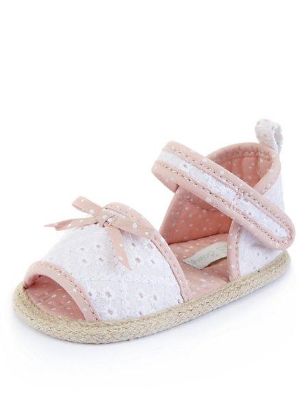 Riptape Broderie Sandals